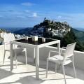 Capri πολυθρόνα σε τρία χρώματα πολυπροπυλενίου με φινίρισμα wicker