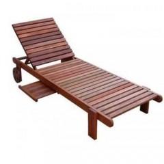 Ξαπλώστρα πισίνας με ρόδες ξύλινη σε κοκκινωπό χρώμα